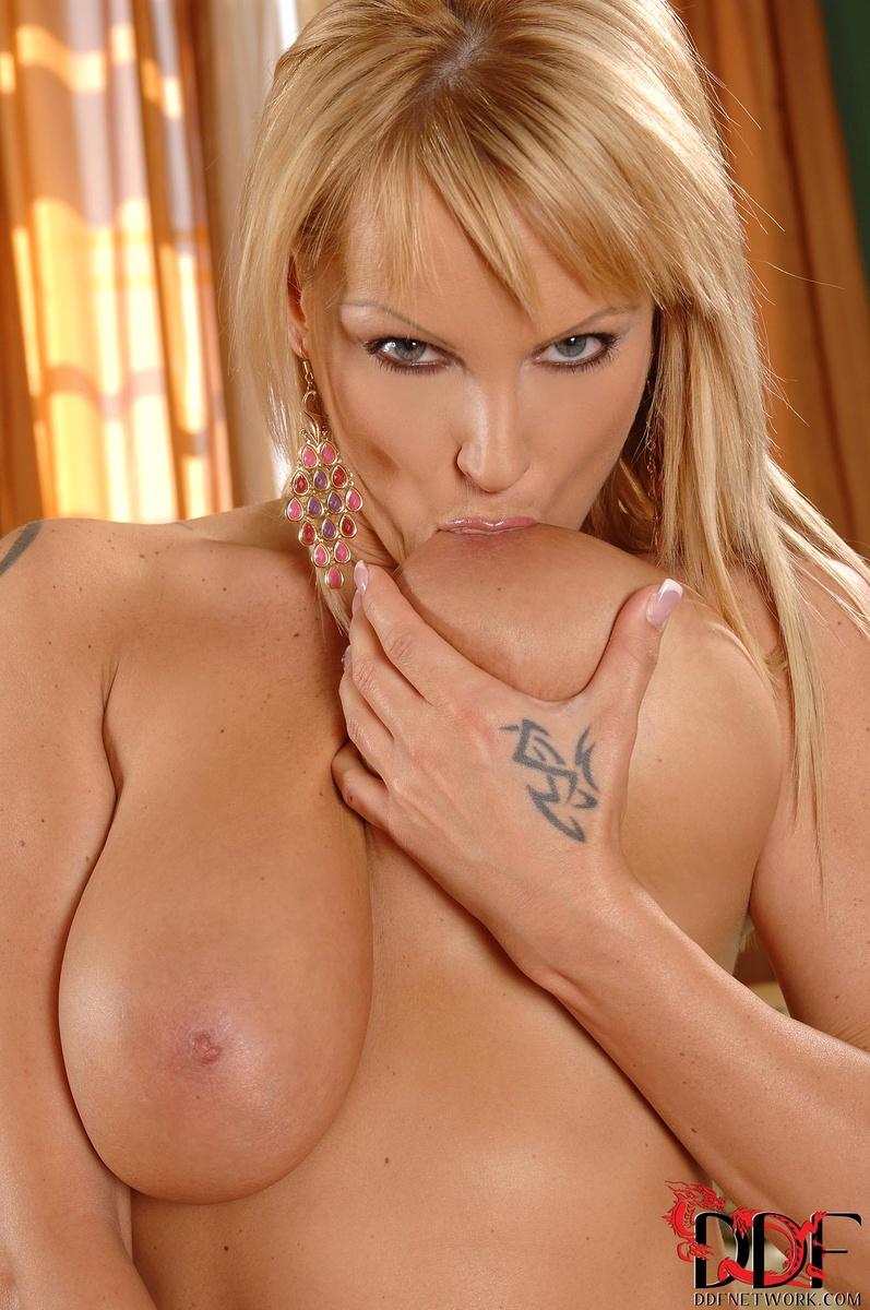 Busty Pink Nipples Blonde Babe - Mylustcom
