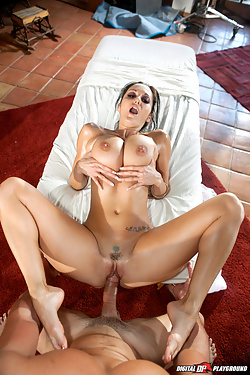 Ava Addams seduces masseur with her massive tits