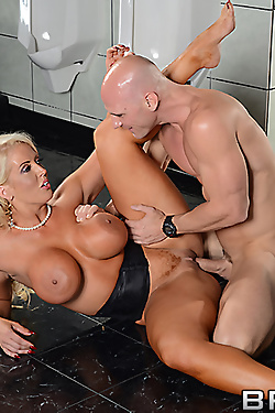 Alura Jenson empties his cock over her big tits
