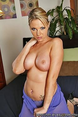 Bree Barrett fucks the burglar in her house