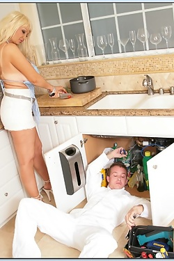 Brittany ONeil gets stuffed by her incompetent plumber