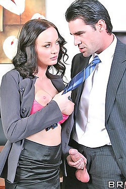 Melissa Lauren uses her well equipped rack to set up a politician