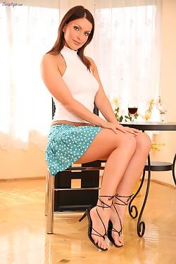 Marketa Brymova toying her tight dildo with special dildo