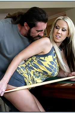Carolyn Reese seduces a married guy in the pool room