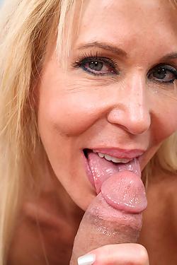Erica Lauren Hot Sex Starved Milf Swallows Hardcore Treat