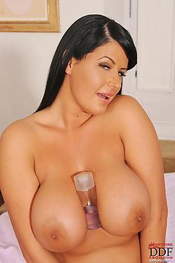 Rebecca Jessop greasing up her super fine cannon balls