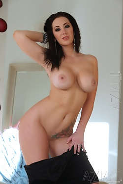 One of the sexiest porn stars, Jayden Jaymes gets naked and naughty