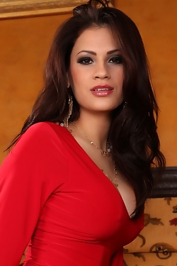 Vanessa Veracruz strips out of her hot red dress and panties