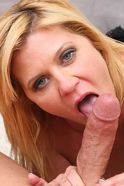 Classic Pornstar Ginger Lynn Makes an Oral Cumback