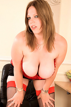 Amber Lee - Table Top Treat
